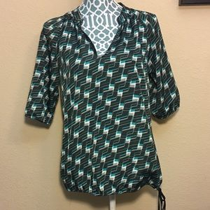 New York&Company Geo Blouse XS